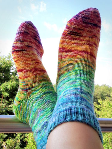 KIT - Fading Rainbow Socks
